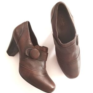 Clarks Bendables Vintage style Heels brown 8.5